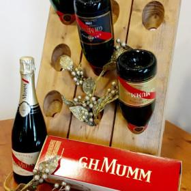 Mmmm… eccelente Mumm Champagne.